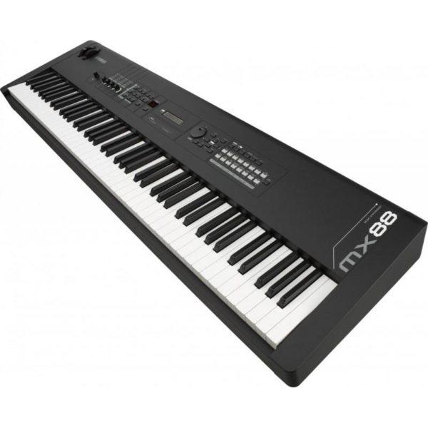 Yamaha MX88 Keyboard